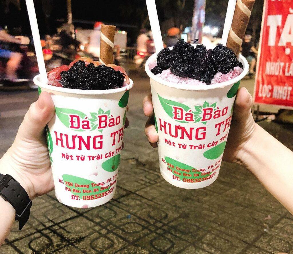 Đến với Đá bào Hưng Trí để thưởng thức những món kem mát lạnh giữa mùa hè